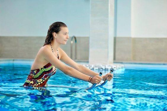 Poolbiking implanta el nuevo Pooljumping en las cadenas Planet Fitness y Equalia