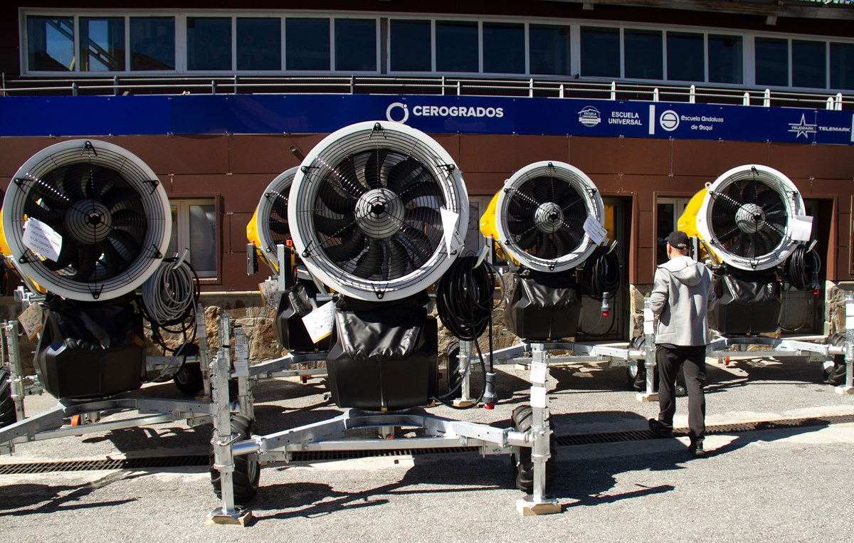 Sierra Nevada incorpora 77 nuevos cañones para producir nieve