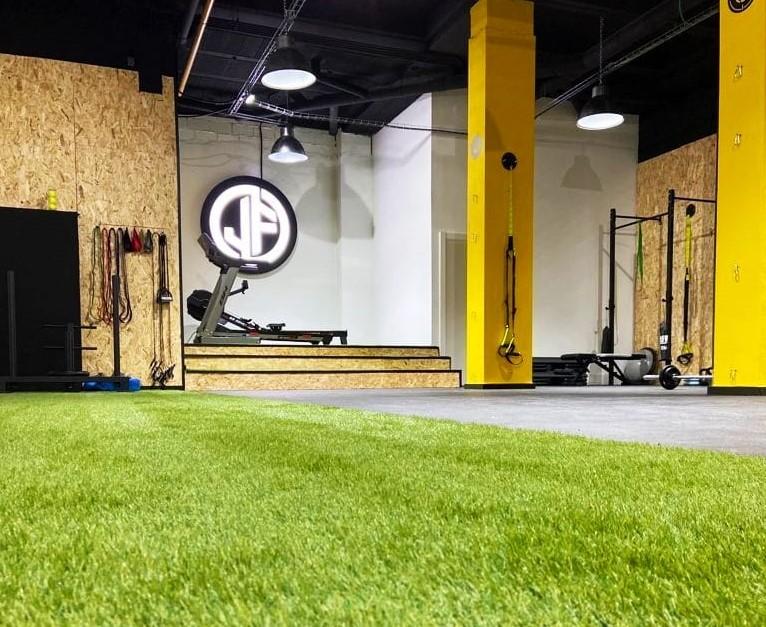 Abren tres nuevos gimnasios equipados con Etenon Fitness y AllFreeWeight