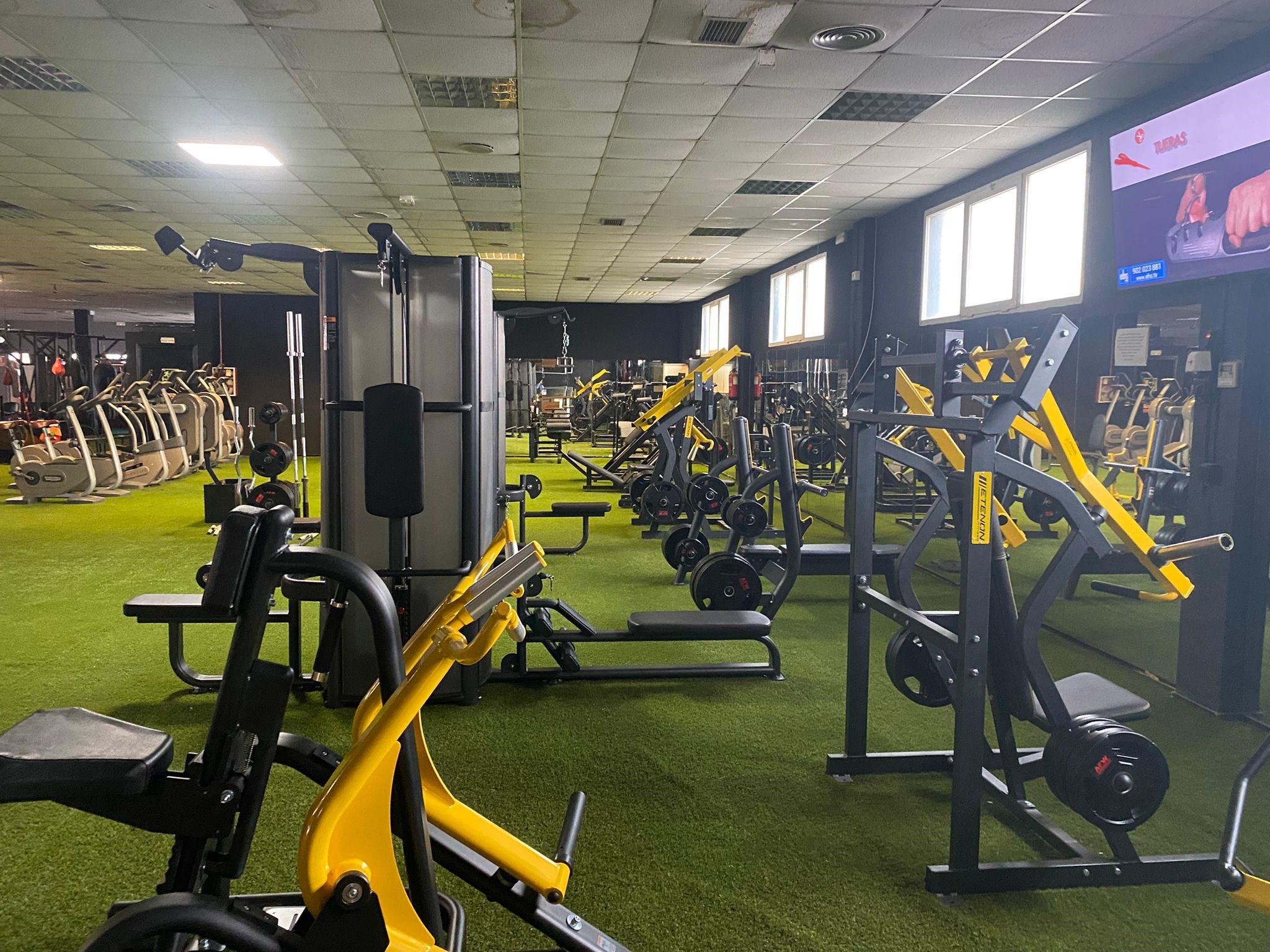 Los gimnasios Emporio Barceló y Live´s Fitness se equipan con Oss Fitness